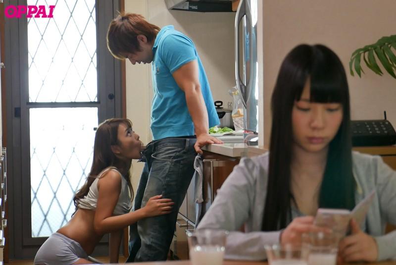 【若菜奈央】泣いてる妹の目の前で彼氏を寝取るお姉ちゃん