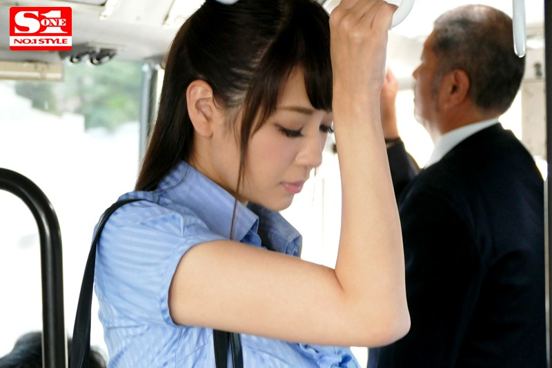 【RION】通勤バスでJカップ巨乳を痴漢集団に揉みしだかれるOL